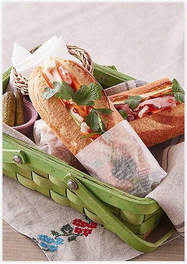 """ピクニックにもぴったり!ベトナム風サンドイッチ""""バインミー"""""""
