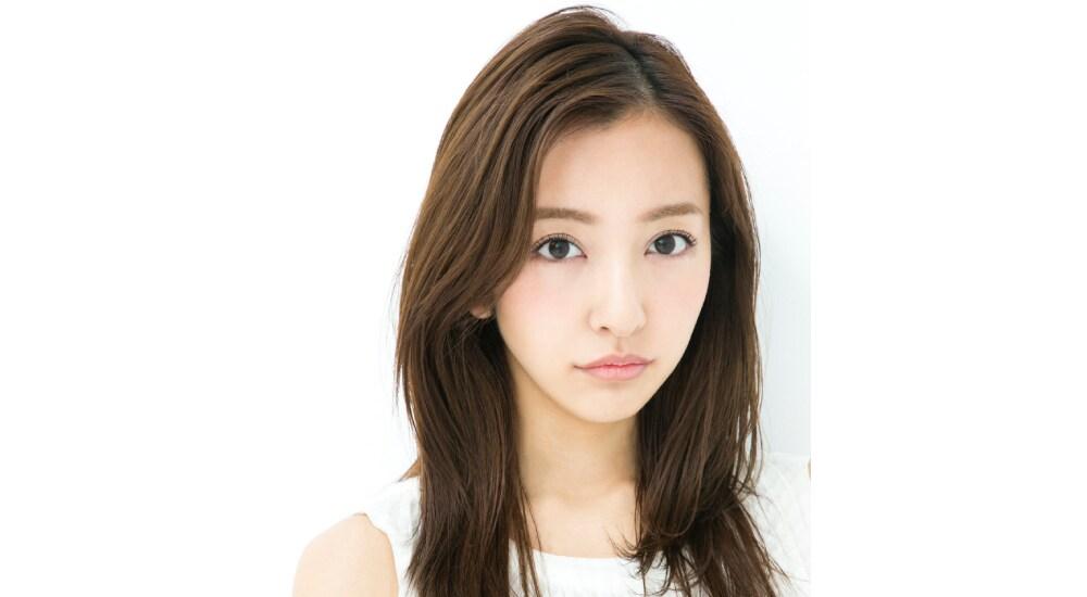 板野友美さんメインイメージ