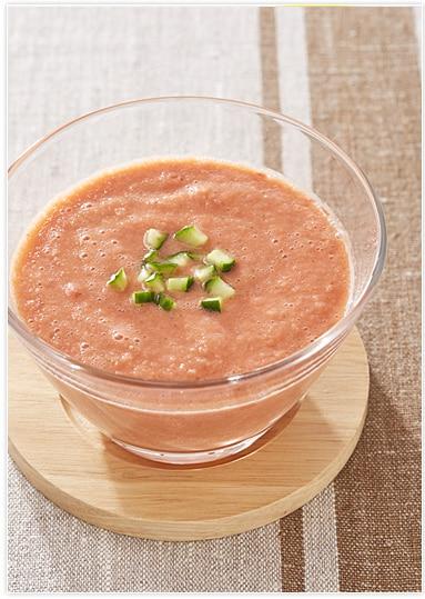 【ヨーグルト×塩麹】野菜たっぷりの冷製スープ