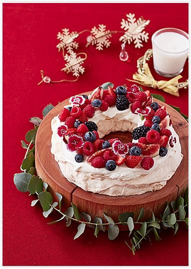 """サクふわ!新食感の白いケーキ""""パブロバ""""クリスマス用にリース型に♪"""